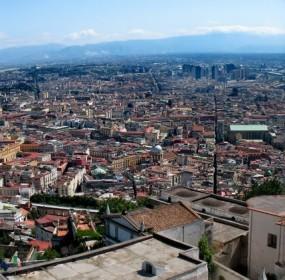 Uno scorcio di Napoli visto dalla finestra dell'abitazione partenopea di Daniela Venturelli